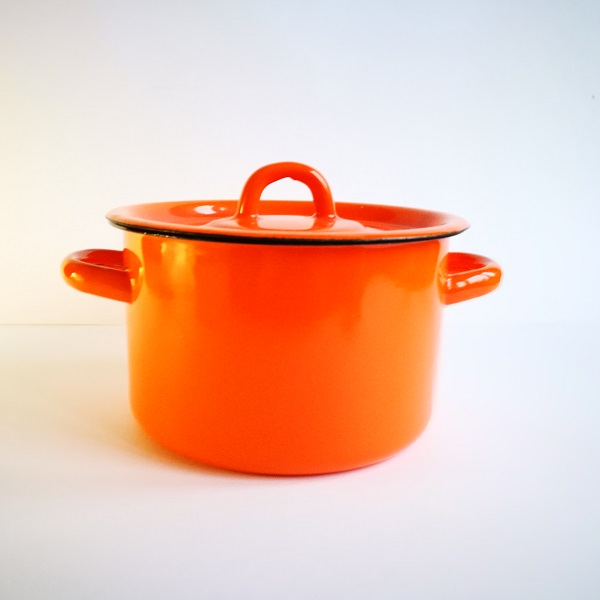 Кастрюля 2л оранжевая